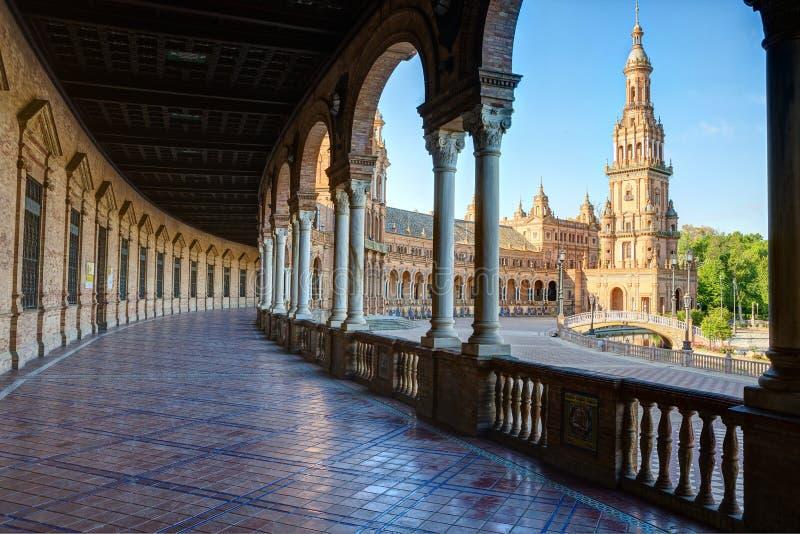 Plac De Espana w pogodnym ranku, Sevilla, Andalusia, Hiszpania obrazy stock