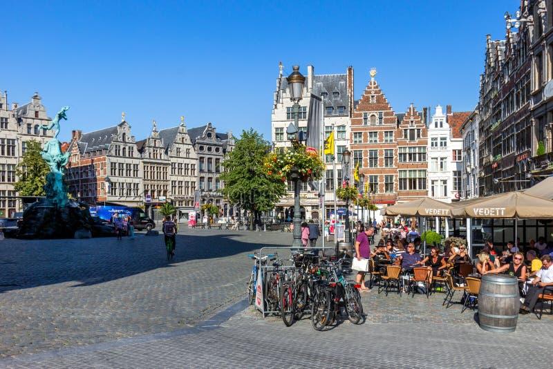 Plac Grote Markt w centrum historycznym Antwerpii fotografia stock