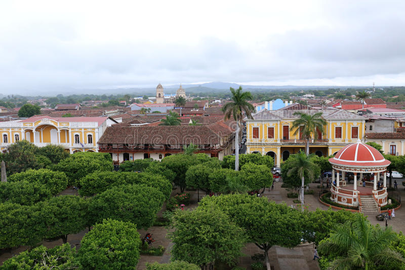 Plac z drzewami 2015 - Granada Nikaragua, Juli, - zdjęcia stock
