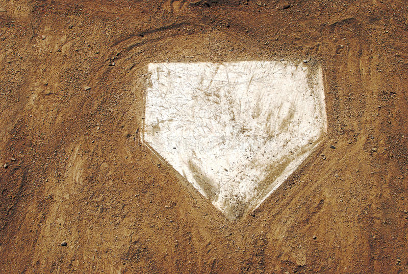 Placa casera en campo de béisbol fotos de archivo