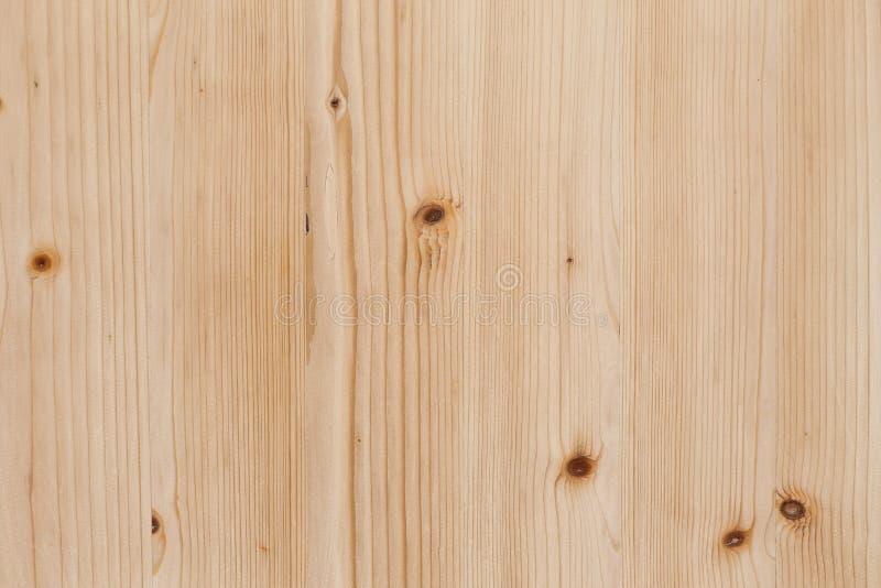 Placa clara da madeira de pinho com superfície da textura dos nós fotografia de stock