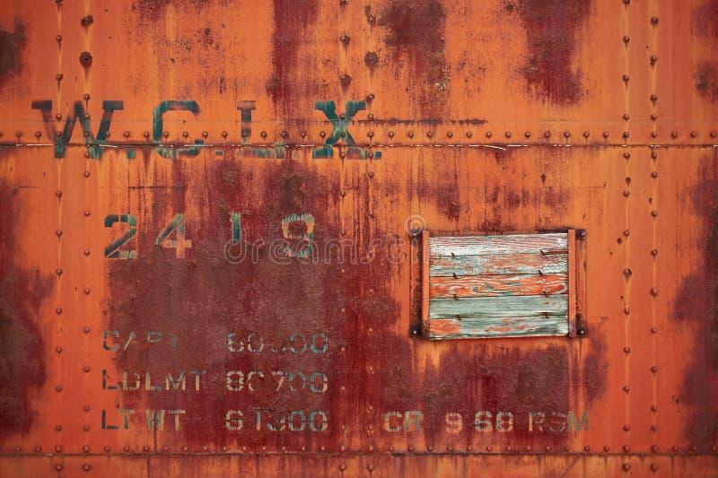 A placa de aço oxidada velha rebitou o carro de caixa foto de stock royalty free