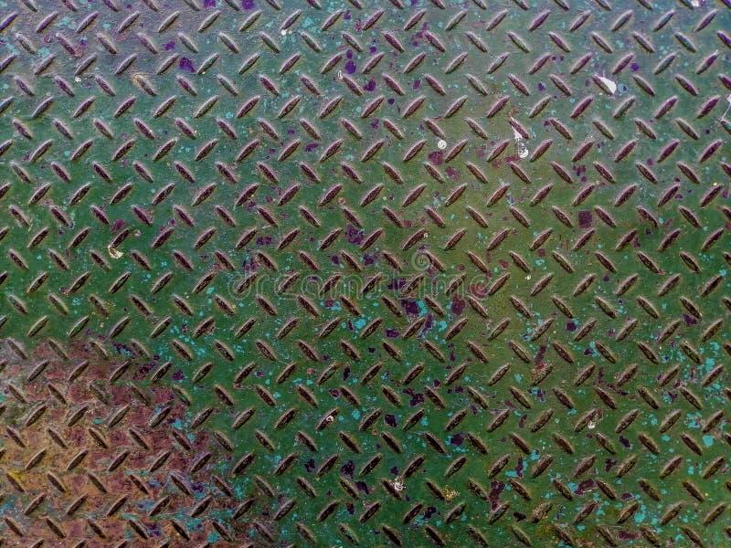 A placa de aço verde velha da plataforma oxidou, Fundo verde da textura do metal fotografia de stock royalty free