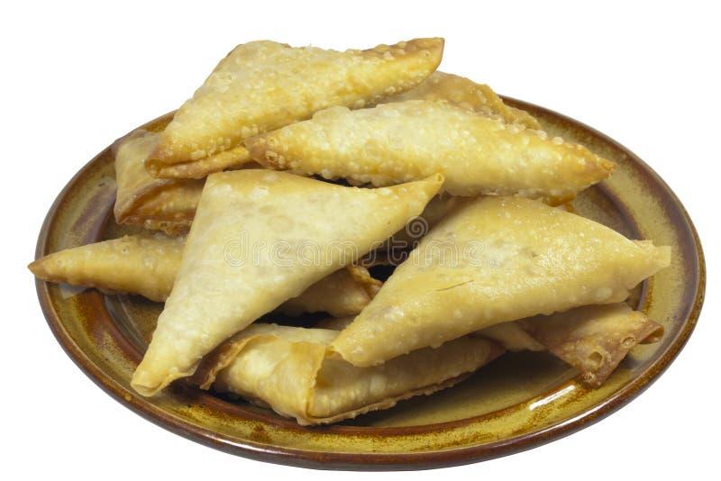 Placa de Brown de doblado y recientemente Fried Samoosa Snacks fotos de archivo