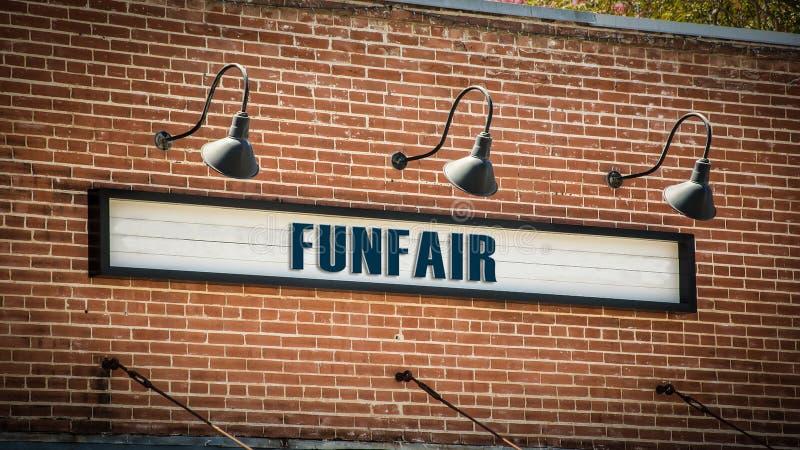 Placa de calle al Funfair imagen de archivo