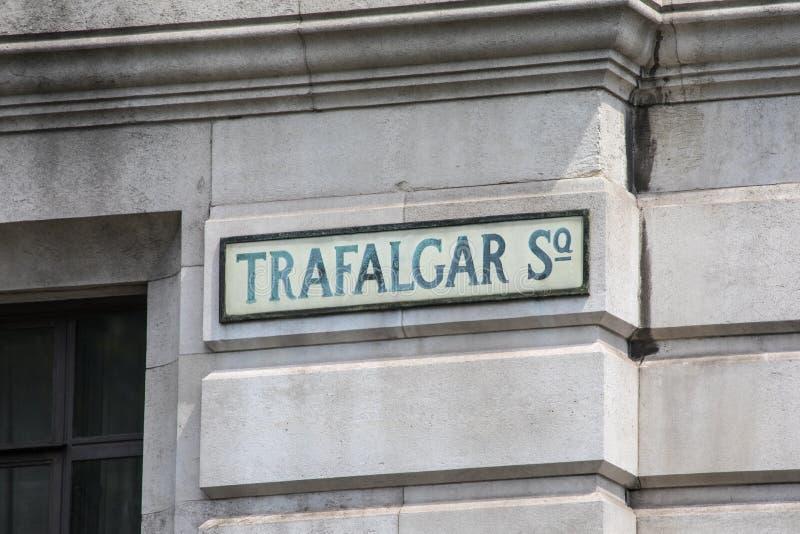 Placa de calle de Trafalgar Square en Londres foto de archivo