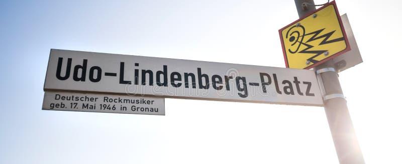 Placa de calle del platz del lindenberg de Udo en el gronau Alemania fotografía de archivo libre de regalías