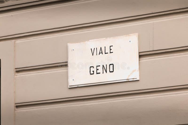Placa de calle italiana Geno en el centro de ciudad fotografía de archivo