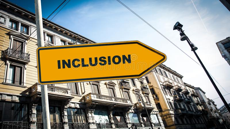 Placa de calle a la inclusi?n imagenes de archivo