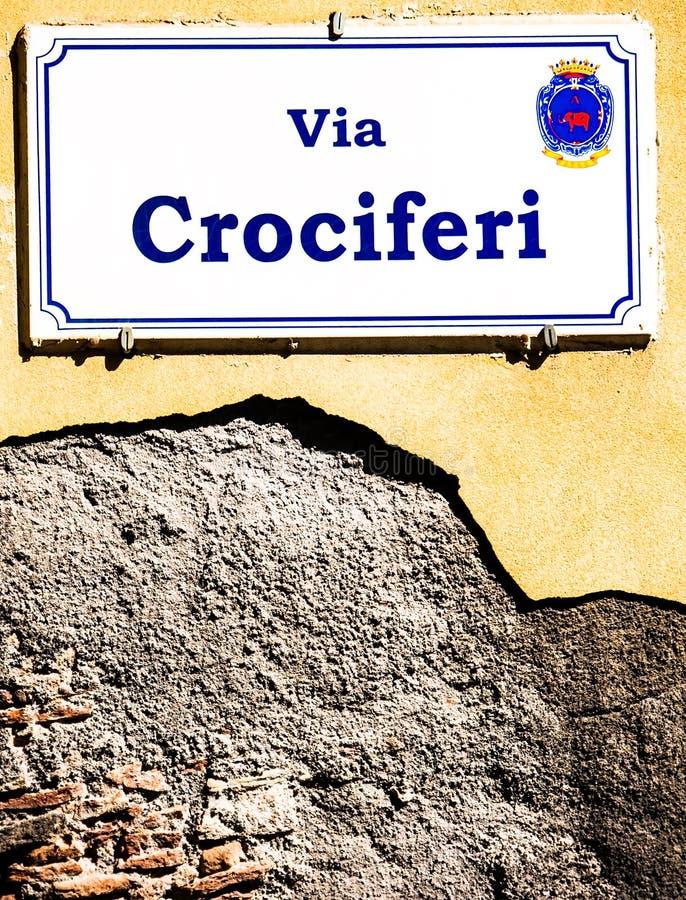 placa de calle vía del crociferi en Catania Italia la calle imagen de archivo libre de regalías