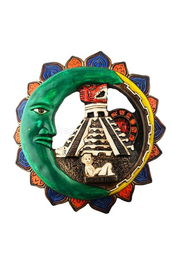 Placa de cerámica maya mexicana de Chichen Itza aislada en blanco imagen de archivo libre de regalías