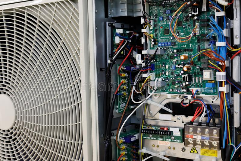 Placa de circuito do sistema de controlo do condicionador de ar imagens de stock