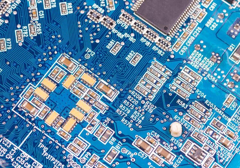 Placa de circuito electrónica grande con los componentes de radio fotos de archivo libres de regalías