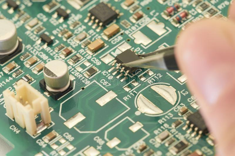 Placa de circuito eletrônico, PWB (placa de circuito impresso) com proce fotografia de stock royalty free