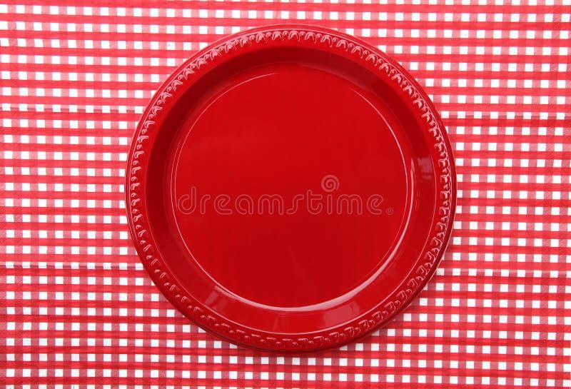Placa de jantar vermelha imagens de stock