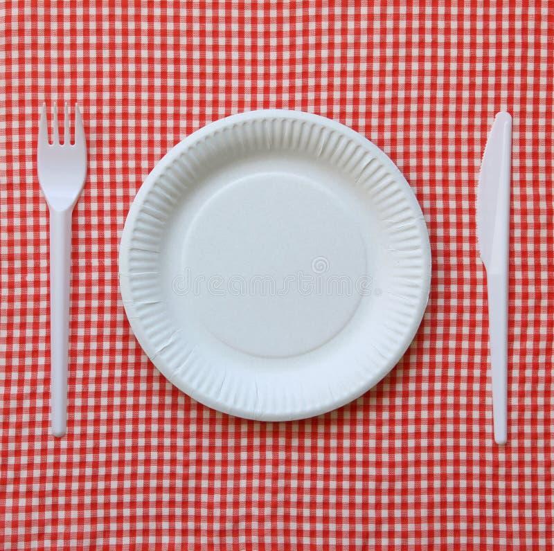 Placa de papel descartável. fotografia de stock