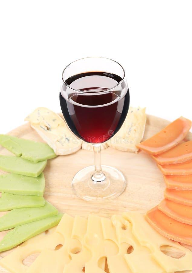 Placa de queso y vidrio de vino fotografía de archivo libre de regalías