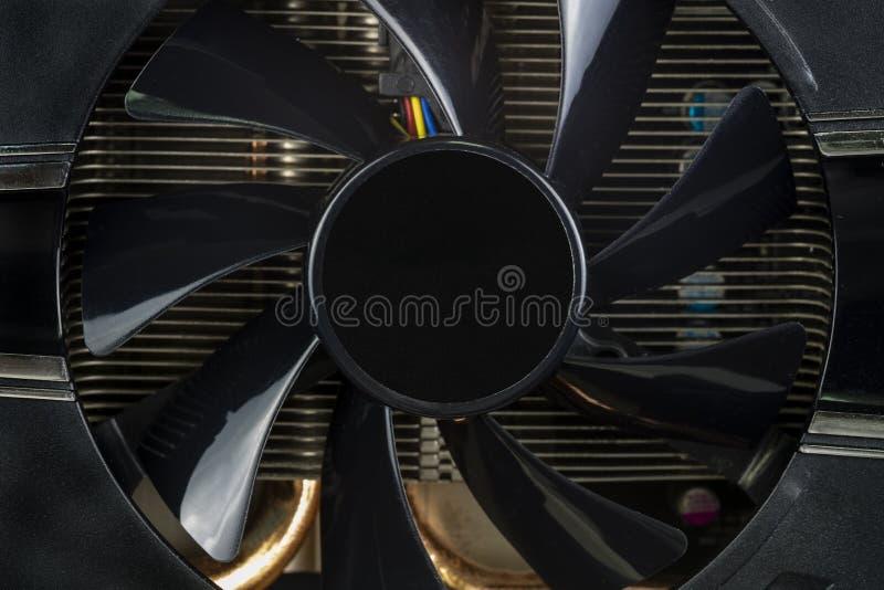 Placa de vídeo do computador com fim do fã acima imagens de stock royalty free