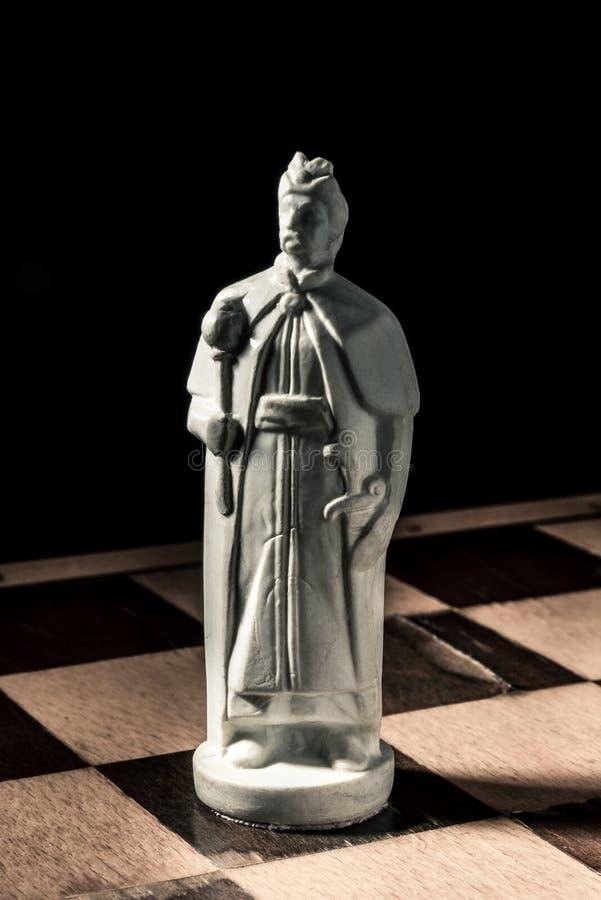 Placa de xadrez Rei feito a mão branco bonito imagens de stock