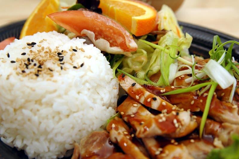 Placa del pollo de Teriyaki imagenes de archivo