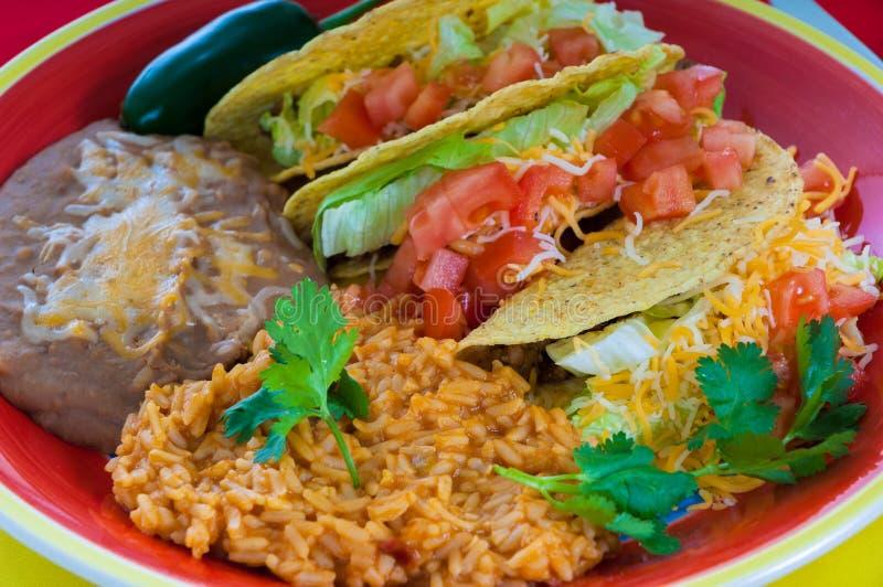 Placa do alimento mexicano foto de stock royalty free