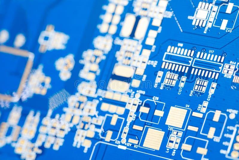 Placa do azul do circuito Tecnologia de material informático eletrônica Microplaqueta digital do cartão-matriz imagem de stock royalty free