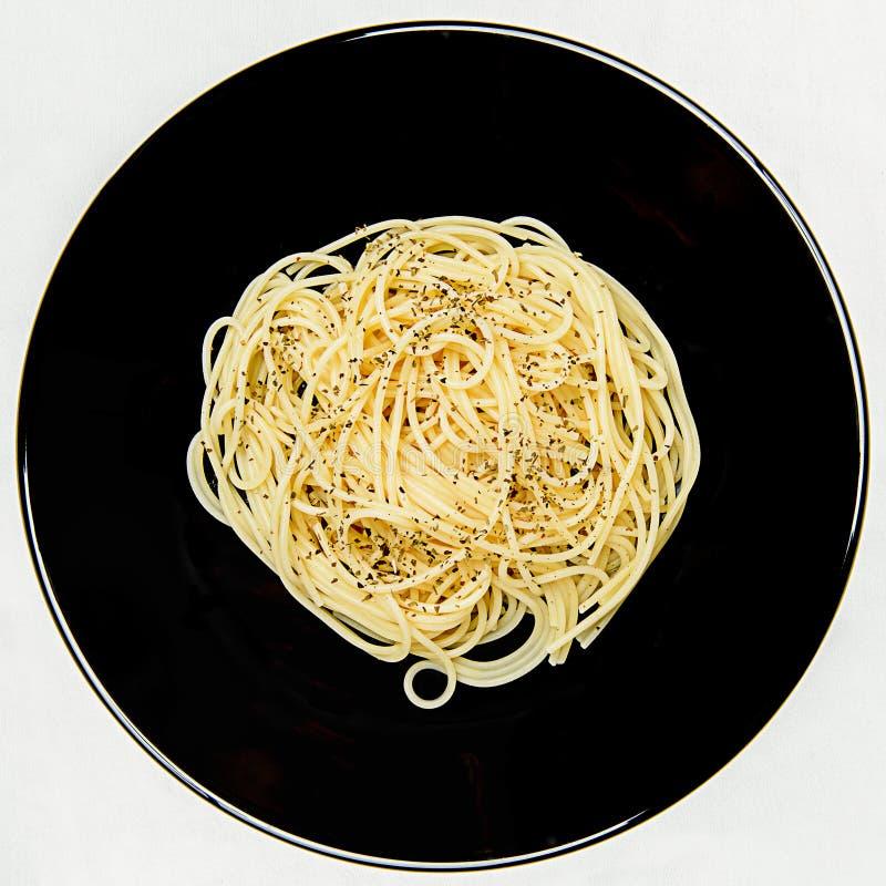 Download Placa do espaguete imagem de stock. Imagem de mediterranean - 26522289