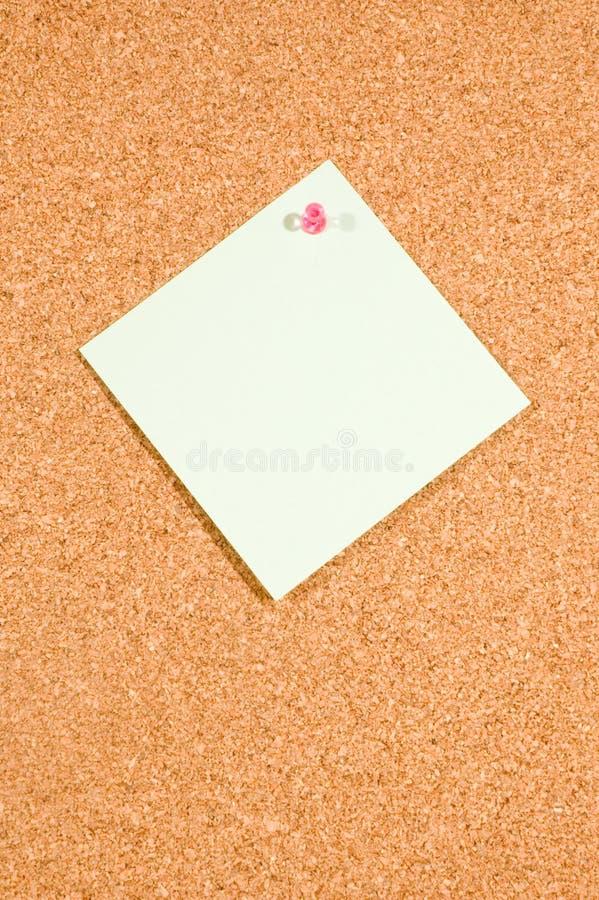 Placa do memorando com nota vazia no fundo branco imagem de stock