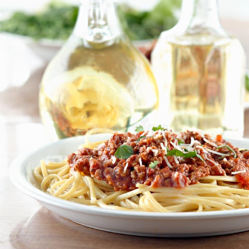 Placa do molho do espaguete e da carne imagens de stock royalty free