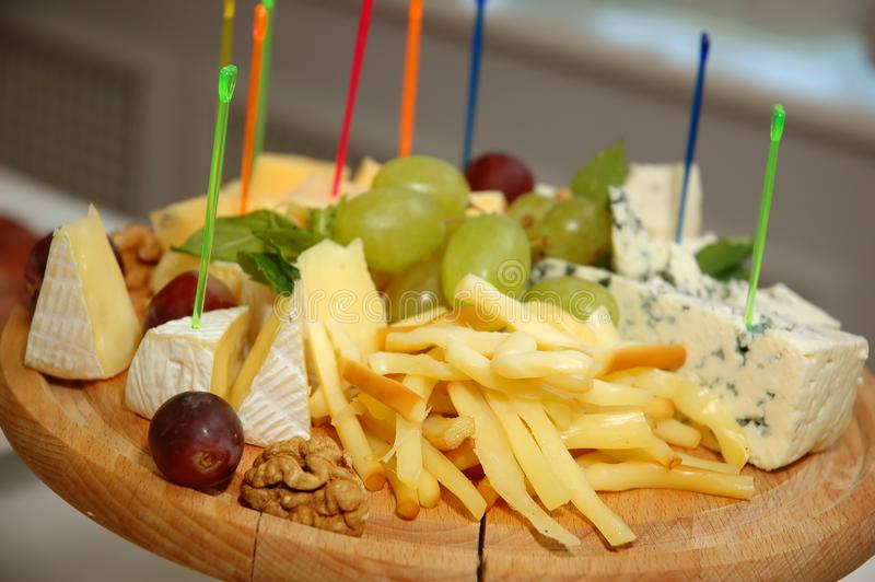 Placa do queijo foto de stock royalty free