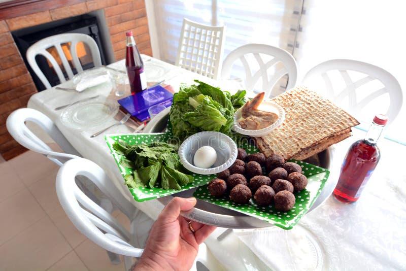 Placa do seder da páscoa judaica - feriados judaicos imagens de stock