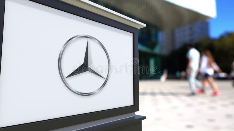 Placa do signage da rua com logotipo de Mercedes-Benz Centro borrado do escritório e fundo de passeio dos povos 3D editorial ilustração stock