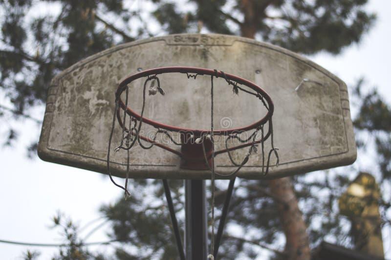 Placa suja idosa do basquetebol imagens de stock