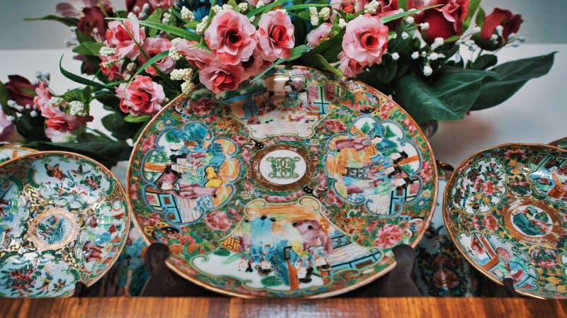 Placa velha da porcelana de China foto de stock royalty free