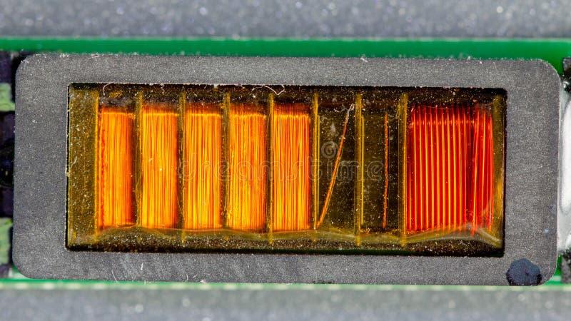 Placa verde do computador com elementos diferentes da eletrônica Textura fotografia de stock royalty free
