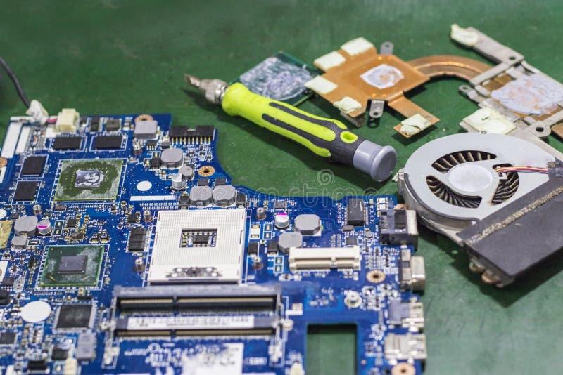 Placas de circuito y equipo electrónico fotos de archivo libres de regalías