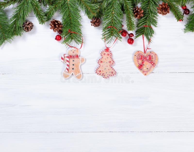 Download Placas De Madeira Brancas Rústicas Com As Decorações Han Da Cookie Do Natal Imagem de Stock - Imagem de rustic, verde: 80100287