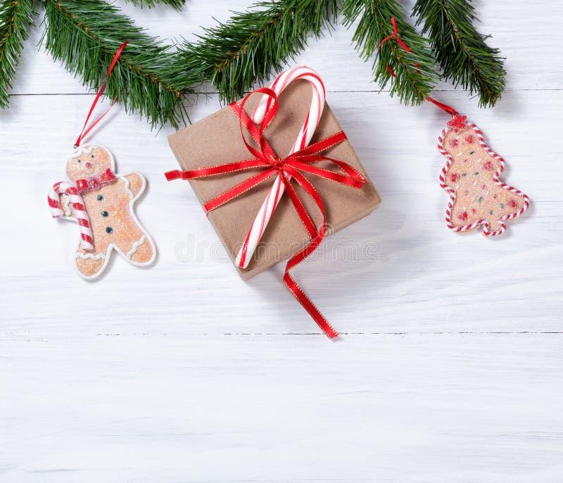 Download Placas De Madeira Brancas Rústicas Com As Decorações Han Da Cookie Do Natal Foto de Stock - Imagem de filial, espaço: 80100868
