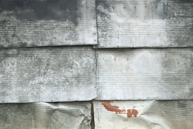 Placas del cinc como recubrimiento de paredes imagen de archivo libre de regalías