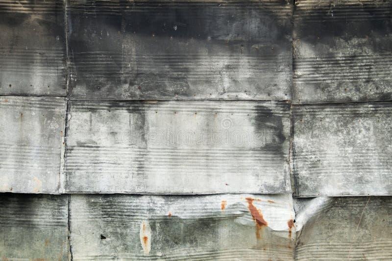 Placas del cinc como recubrimiento de paredes fotografía de archivo