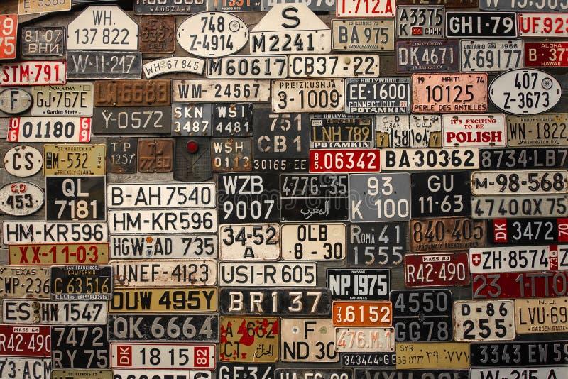 Placas en la pared imagen de archivo libre de regalías
