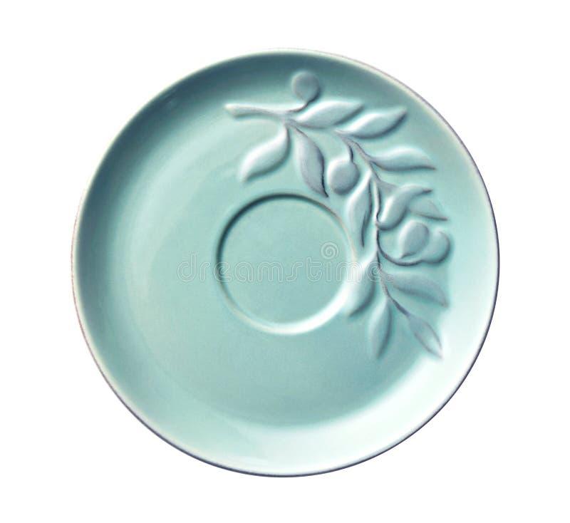 Placas vacías de la cerámica, placa azul con el modelo de la hoja, visión desde arriba aislado en el fondo blanco con la trayecto fotografía de archivo
