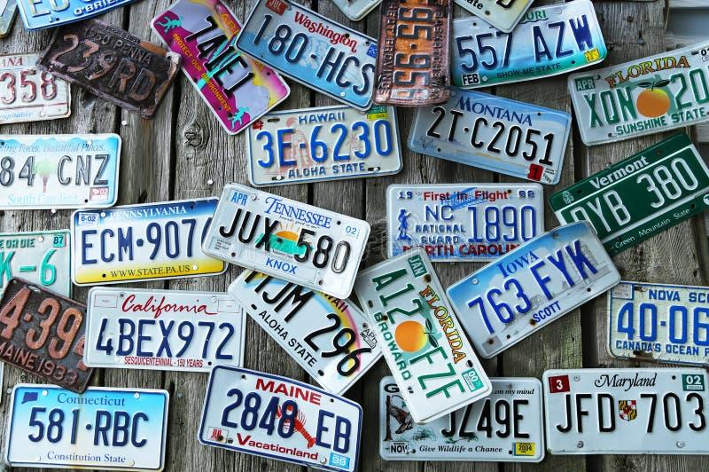 Placas velhas do lisinse do carro fotos de stock royalty free