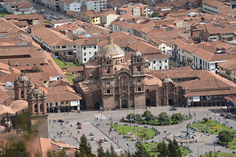 Place centrale dans Cuzco avec de la La Compania, Plaza de Arm de cathédrale photographie stock libre de droits