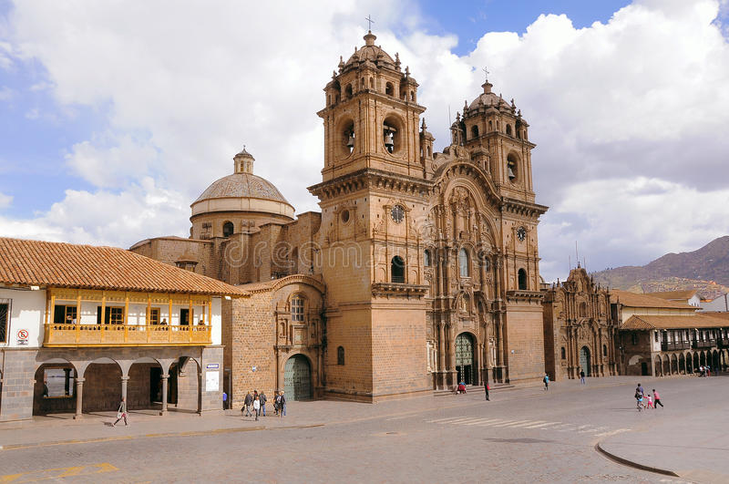 Place centrale de la ville - Plaza de Armas photo stock