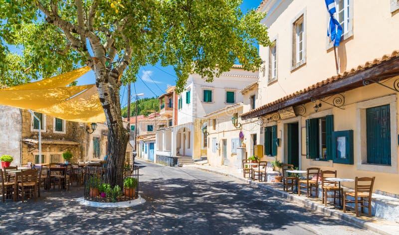 Place centrale de village de Lakones, Paleokastritsa, île de Corfou, Grèce image stock