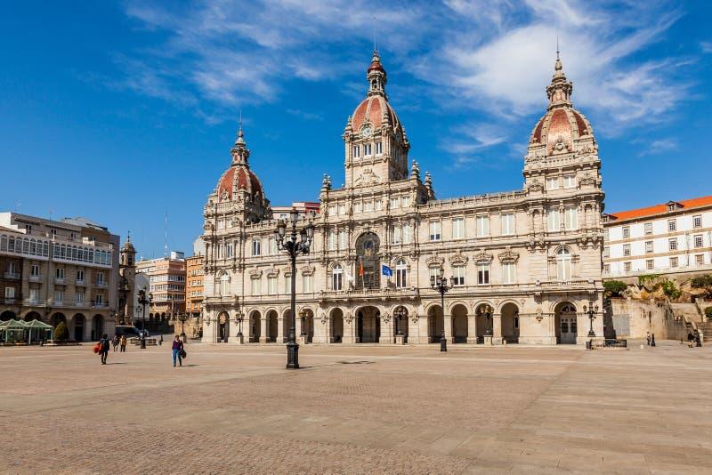 Place centrale et hôtel de ville d'un Coruna, Espagne photos libres de droits