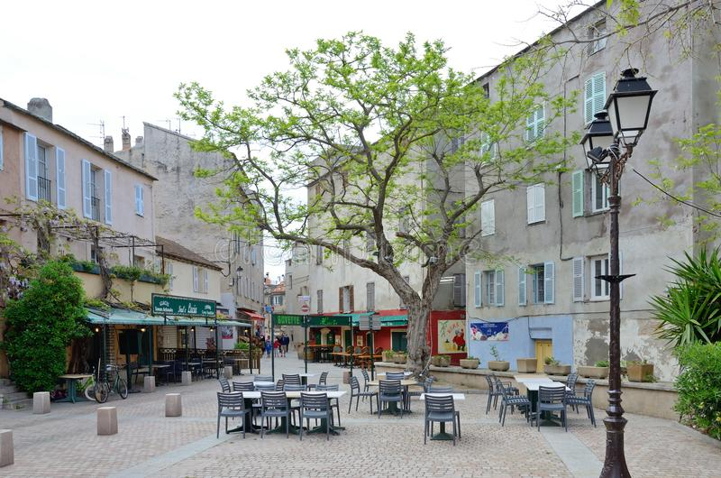 Place confortable dans le saint-Florent corse de ville photos stock