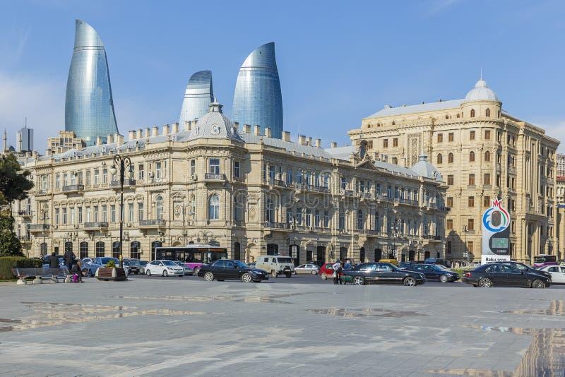 Place d'Azneft à Bakou photos libres de droits