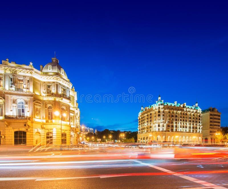 Place d'Azneft le 30 mai à Bakou, Azerbaïdjan photos libres de droits